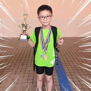 恭賀泳員雪晴、Branson於王錦輝中小學游泳比賽取得佳績